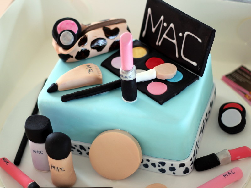 Makeup Kit Cake Design : Pictures Of Makeup Kit Cake - Mugeek Vidalondon
